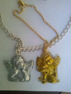 Neclace with angels from liquid glass