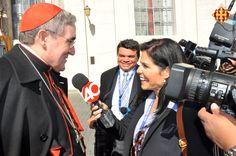 El Cardenal Sistach parlant per la premsa