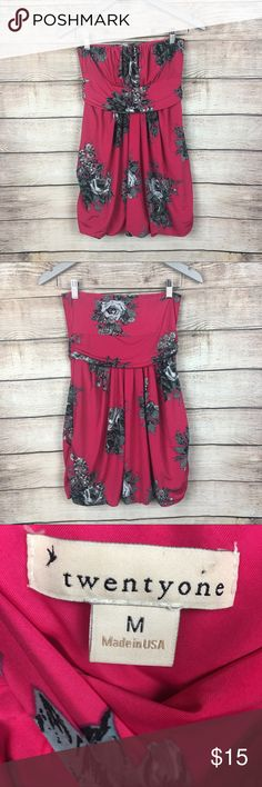 """Forever 21 Bubble Mini Dress Plum, Floral Sz M Forever 21 strapless Bubble Mini Dress Plum And Floral Design Sz M.  Measurement are taking lay flat. Any questions feel free to ask.  Chest: 13"""" Length: 24"""" Waist:13"""" Forever 21 Dresses Strapless"""