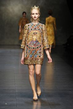 Dolce & Gabbana Women Fashion Show – Fall Winter 2014 Collection (Byzantine-inspired fashion)