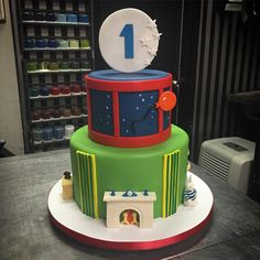 Goodnight Moon story book cake for a very special one year old! First birthday cake by Instagram.com/CityCakes in NYC