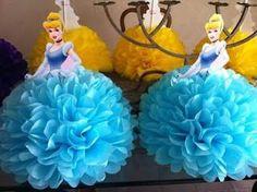 Cómo hacer centros de mesa de las princesas con pompones de papel ~ lodijoella