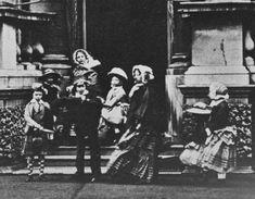 Queen Victoria with seven of her children, Buckingham Palace 1854 Queen Victoria Children, Queen Victoria Family, Queen Victoria Prince Albert, Victoria And Albert, Princess Louise, Princess Alice, Princess Mary, Victoria's Children, Royal Families Of Europe