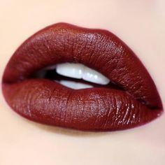 Prim deep red Ultra Satin Lip swatch