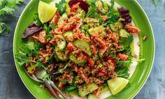 Fräsch vegetarisk och glutenfri quinoasallad som passar till lunch eller som ett tillbehör till kyckling eller grillat.Det går givetvis bra att lägga till