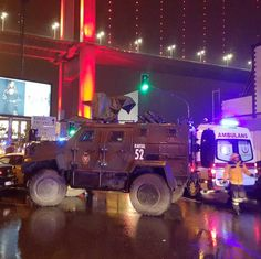 В нощен клуб в Истанбул убиха и раниха десетки души - https://novinite.eu/v-noshten-klub-v-istanbul-ubiha-i-raniha-desetki-dushi/