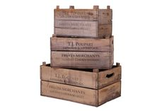 Thrillingly vintage, the fresh-from-market look of these retro apple box set makes for an inimitably old-school addition to your home decor. Perfect for sundry storage, its characterful planks are delicately distressed and detailed for a truly unique accent piece.