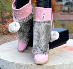 These Bubblegum Pink #Lukluks are a MUST HAVE! #boots #winterboots #fashion #style #ootd