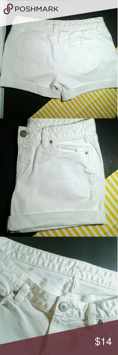 Ann Taylor Loft Shorts Ann Taylor Loft white low rise shorts... 98%cotton  2% spandex.. machine wash cold gentle cycle tumble dry inside out to prevent stains... in excellent condition... PRICED FIRM Ann Taylor Loft  Shorts Cargos