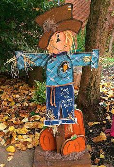 Cute tall scarecrow. Fall craft for the yard.