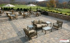 Hardscaping pavers offers low maintenance, so that the selection of the natural stones and planning takes the major role. Custom Countertops, Quartz Countertops, Natural Stone Pavers, Natural Stones, Outdoor Projects, Outdoor Decor, Outside Living, Swimming Pools, Villa