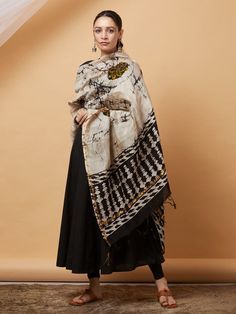 The Loom- An online Shop for Exclusive Handcrafted products comprising of Apparel, Sarees, Jewelry, Footwears & Home decor. Ethnic Outfits, Indian Outfits, Fashion Outfits, Indian Dresses, Indian Look, Dress Indian Style, Indian Ethnic, Stylish Dress Designs, Stylish Dresses