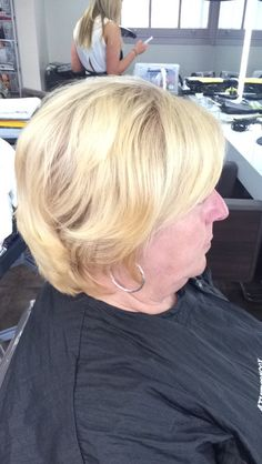Hair after the root tint using majirel 9.13 with 9% on roots and i used a cromative as a toner using 7.03.