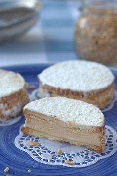 Goal - Italian Pastries Pastas and Cheeses Mini Pastries, Italian Pastries, Italian Desserts, Mini Desserts, Italian Cake, Dessert Recipes, Best Italian Recipes, Favorite Recipes, Cake Cookies