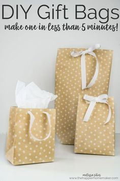 How to Make a Gift Bag Out of Wrapping Paper Easy DIY Tutorial diy gift bag - Diy Bag and Purse Diy Gift Bags From Wrapping Paper, Paper Gift Bags, Paper Gifts, Paper Purse, Wrapping Papers, Diy Gifts Using Paper, Paper Bag Crafts, Diy Crafts, Diy Bags Purses