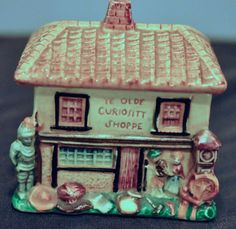 Marutomo Ware, YE OLDE CURIOSITY SHOPPE   how cute is this little trinket box? Perfect gift for the antique or vintage lover!!