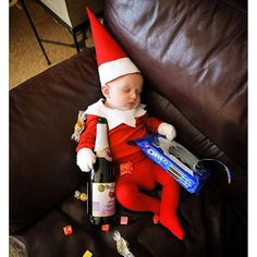 Photo from thatdadblog Baby Christmas Photos, Xmas Photos, Old Christmas, Holiday Pictures, Babies First Christmas, Sibling Christmas Pictures, Family Christmas, Newborn Pictures, Baby Pictures