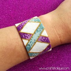 OMBRE RIBBONS - PRETTY PEYOTE STITCH BEADED BRACELET PATTERN! ****THIS PATTERN USES SIZE 11/0 MIYUKI DELICAS**** This pretty bracelet pattern is perfect for beginner or intermediate level beaders! The pattern features a criss-cross of ribbons in teal and purple, edged with gold