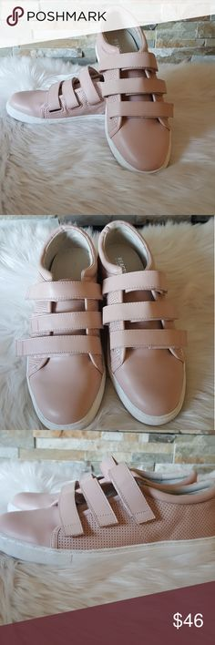 Kenneth Cole Reaction Jovie Leather Sneakers Leather sneakers Blush color Kenneth Cole Reaction Shoes Sneakers