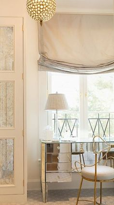 Desk in front of window Home Design in 2019 Home Decor house beautiful roman shades - House Beautiful Tocador Vanity, Relaxed Roman Shade, Modern Window Treatments, Modern Windows, Interior Decorating, Interior Design, Interior Modern, Closet Bedroom, Closet Mirror