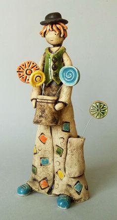 Iz! Ceramic Decor, Ceramic Clay, Ceramic Pottery, Clay Art Projects, Sculpture Projects, Pottery Sculpture, Sculpture Clay, Ceramic Glaze Recipes, Different Kinds Of Art