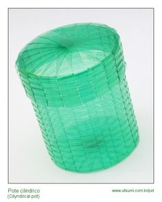 Baskets with strips of plastic bottles Plastic Bottle Crafts, Diy Bottle, Plastic Bottles, Soda Bottles, Soda Can Crafts, Fun Crafts, Recycled Bottles, Recycled Crafts, Diy Upcycling