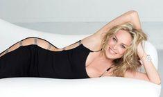A presque 60 ans, Sharon Stone est sexy à souhait en maillot de bain ! #NSWF