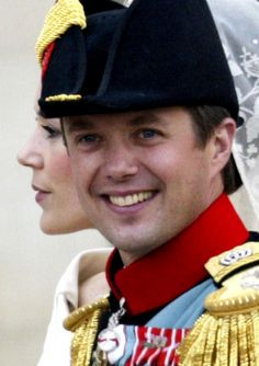 Crown Princess Mary and Crown Prince Frederik of Denmark arrive at Christian VII's Palace after their wedding on May 14, 2004.