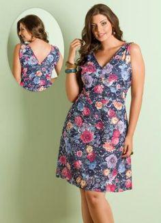 Vestido Decote V Floral Plus Size - Posthaus