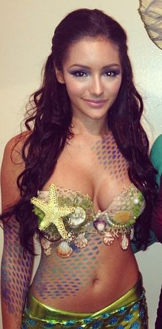 Mermaid costume-cute and not too slutty,,like everything else Halloween Makeup Soirée Halloween, Diy Halloween Costumes, Halloween Makeup, Google Halloween, Halloween Mermaid, Halloween College, Costume Ideas, Steam Punk, Mermaid Parade