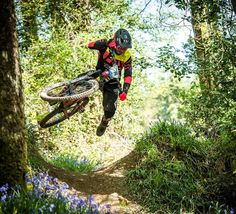 #EWS Round 3 in Ireland this weekend! Good luck to all #FoxMTB athletes. @loosedoglewis : @davetrumporephoto by foxmtb