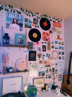 Indie Room Decor, Cute Room Decor, Aesthetic Room Decor, Indie Dorm Room, Picture Room Decor, Aesthetic Bedrooms, Tumblr Room Decor, Picture Walls, Photo Walls