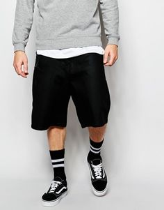 Discover men's shorts with ASOS. Shop for men's chino shorts, cargo shorts, denim shorts and camo shorts for every occasion with ASOS. Chino Shorts, Vans Shorts, Moda Skate, Tommy Clothes, Mens Sports Socks, Sport Socks, Sport Outfits, Boy Outfits, Vans Outfit Men
