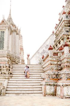 Temples in Thailand, Wat Arun, Honeymoon Thailand, Travel Thailand, Phuket Resort hotel, Phuket beach, Koh Samui Honeymoon #travel #thailand #bangkok #asia