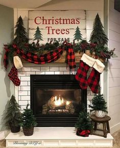 Outside Christmas Decorations, Christmas Mantels, Cozy Christmas, Rustic Christmas, Christmas Holidays, Christmas Crafts, Primitive Christmas, Buffalo Check Christmas Decor, Christmas Feeling