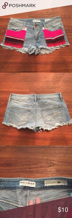 PacSun Shorts (18) Adorable denim shorts with fun poncho style patches. Size 5. Used, like new. ♥︎Moving in a couple weeks, need my closet cleaned out. Check out my closet for more great items at low prices! Bundle to save ♥︎ ☀︎FREE GIFT with orders over $20!☀︎ PacSun Shorts Jean Shorts