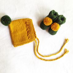 Hand Knitted Baby Pixie Hat and Booties Set/Knit PomPom Booties/Baby Pixie Hat with ties/Newborn size, 0-3, 3-6, 6-12moths by LinksandCo on Etsy