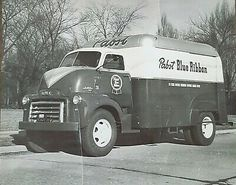 This is a copy of an original photo - beer truck my grandfather drove while working at Pabst Brewery. Beer History, Beer Memes, Pabst Blue Ribbon, Beer Cans, Gm Trucks, Beer Brewing, Bumper Stickers, Brewery, Beverage