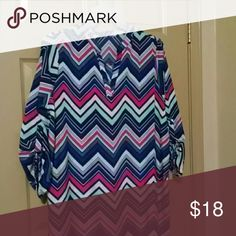 Last xall Chevron dress nwot Multi colors poly v neck cut tags out scratching Dresses Midi