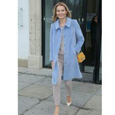 Pani Joanna Moro w płaszczu Vito Vergelis. #joannamoro #larocheposay #płaszcz #polskamoda #moda #stylizacja #ootd #instafashion #classy #stayclassy #style #womensfashion # stylish #warszawa #warsaw #polishfashion #polishfashionbrand #coat #coatstyle #bluecoat #aw1516 #vitovergelis
