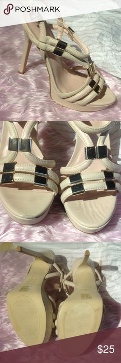 """Aldo Kenasa high heels sz 9 Aldo Kenasa high heels sz 9.  Worn once for a business meeting. Small light scuff on tip of left shoe see pic 2. Right shoe has slight wrinkle can't see it when wearing. Tannish pinkish color leaning more on light tan side. 5"""" heel. Aldo Shoes Heels"""