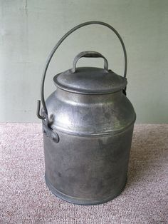 Antique Milk Cream Can Primitive 4 Qt 1 Gal Tin Dairy Farm Pail Bail Handle Lid Dairy Farms Milk Cans Canning