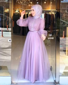 Hijab Evening Dress, Hijab Dress Party, Long Gown Dress, Evening Dresses With Sleeves, Modest Fashion Hijab, Frock Fashion, Simple Bridesmaid Dresses, Wedding Dresses For Girls, Hijabi Gowns