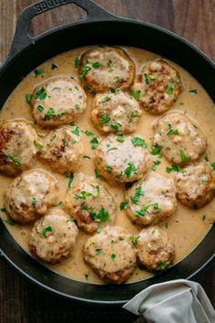 Chicken Meatballs in a Cream Sauce (Tefteli) yummy Mince Recipes, Crockpot Recipes, Cooking Recipes, Healthy Recipes, Recipes Dinner, Healthy Food, Sauce Crémeuse, Ground Chicken Recipes, Cajun Chicken Recipes