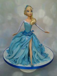 Let It Go... Elsa Doll Cake £70 (excluding doll - feeds 40-45) - Gardner Cakes