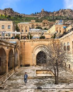 Mardin Travel Plan, Cities, Beautiful Places, Mansions, House Styles, Manor Houses, Villas, Mansion, City
