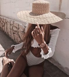 Trendy swimwear that will motivate you to save for the holiday Summer style Fashion Mode, Fashion Week, Look Fashion, Aesthetic Fashion, Girl Fashion, Summer Outfits, Cute Outfits, Summer Ootd, Beach Outfits