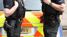 The independent inspector of constabulary backs Police Scotland's policy of allowing some officers to carry firearms while on routine duties.