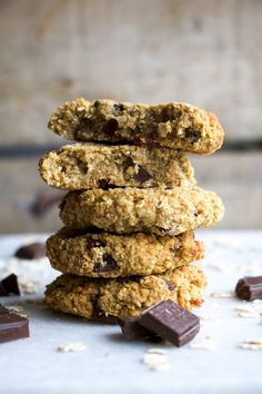 Breakfast oatmeal chocolate chip cookies
