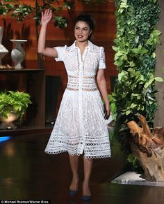 """Priyanka Chopra made guest appearance on the show to discuss her starring role on ABC's Quantico, and more. She wore a white Zimmermann Resort 2017 """"Winsome"""" breeze lace dress . Blue Dresses, Casual Dresses, Fashion Dresses, Summer Dresses, Crochet Lace Dress, Priyanka Chopra, White Fashion, Party Fashion, Ideias Fashion"""